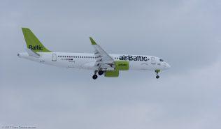 AirBaltic_BCS3_YL-CSB_ZRH170115_02