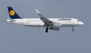 Lufthansa_A320_D-AIUL_ZRH170115_01