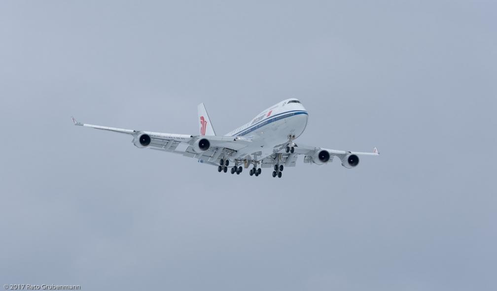 AirChina_B744_B-2472_ZRH170115_01