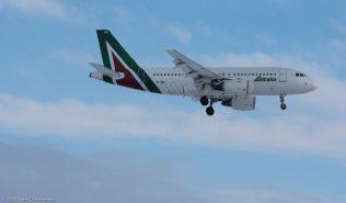 Alitalia_A319_EI-IMG_ZRH170116
