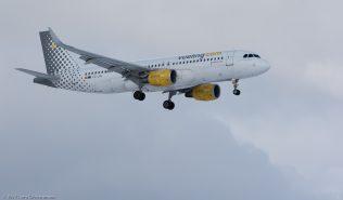 vueling_A320_EC-LVU_ZRH170116