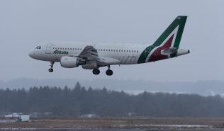 Alitalia_A319_EI-IMD_ZRH170118