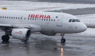 Iberia_A319_EC-JXV_ZRH170120
