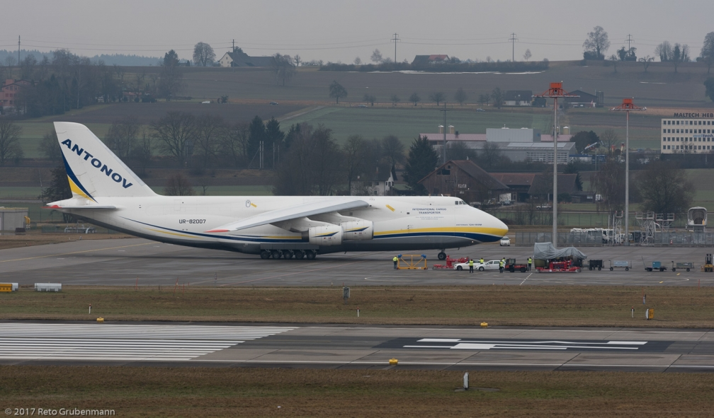 AntonovAirlines_A124_UR-82007_ZRH170204_03