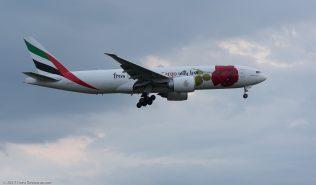 EmiratesSkyCargo_B77L_A6-EFL_ZRH170321_02