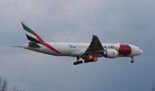 EmiratesSkyCargo_B77L_A6-EFL_ZRH170321_03