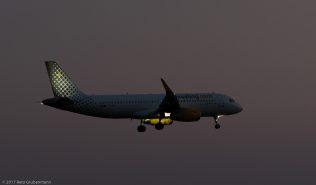 vueling_A320_EC-MOG_ZRH170326
