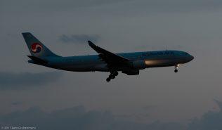 KoreanAir_A332_HL7552_ZRH170401