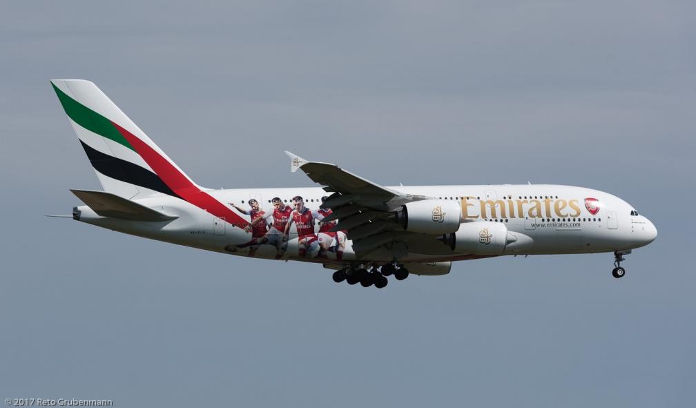 Emirates_A388_A6-EUA_ZRH170401_01