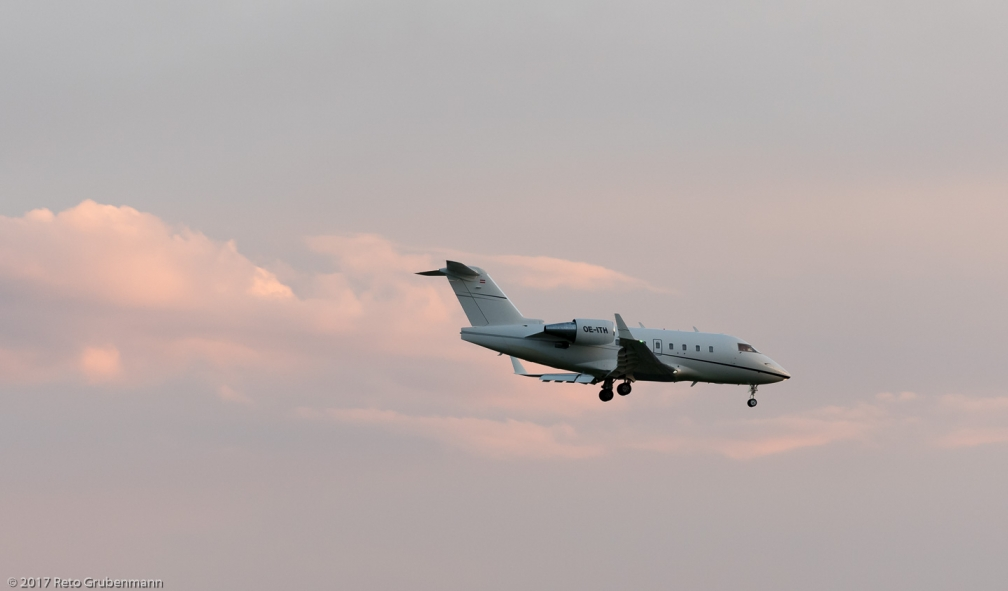 AirIndependence_CL60_OE-ITH_ZRH170410