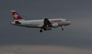 Swiss_A319_HB-IPY_ZRH170416