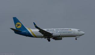 UkraineInternationalAirlines_B733_UR-GBD_ZRH170416