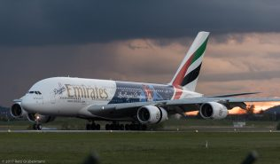 Emirates_A388_A6-EON_ZRH170504_02