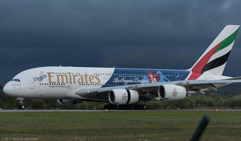 Emirates_A388_A6-EON_ZRH170504_03