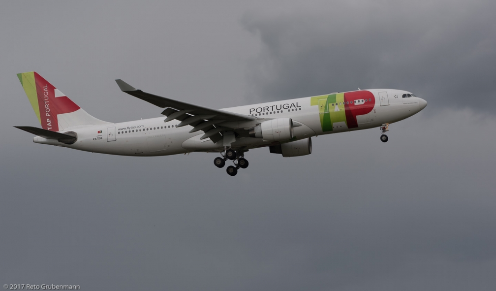 TAPPortugal_A332_CS-TOE_ZRH170512