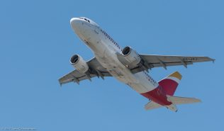 Iberia_A319_EC-JXJ_ZRH170521