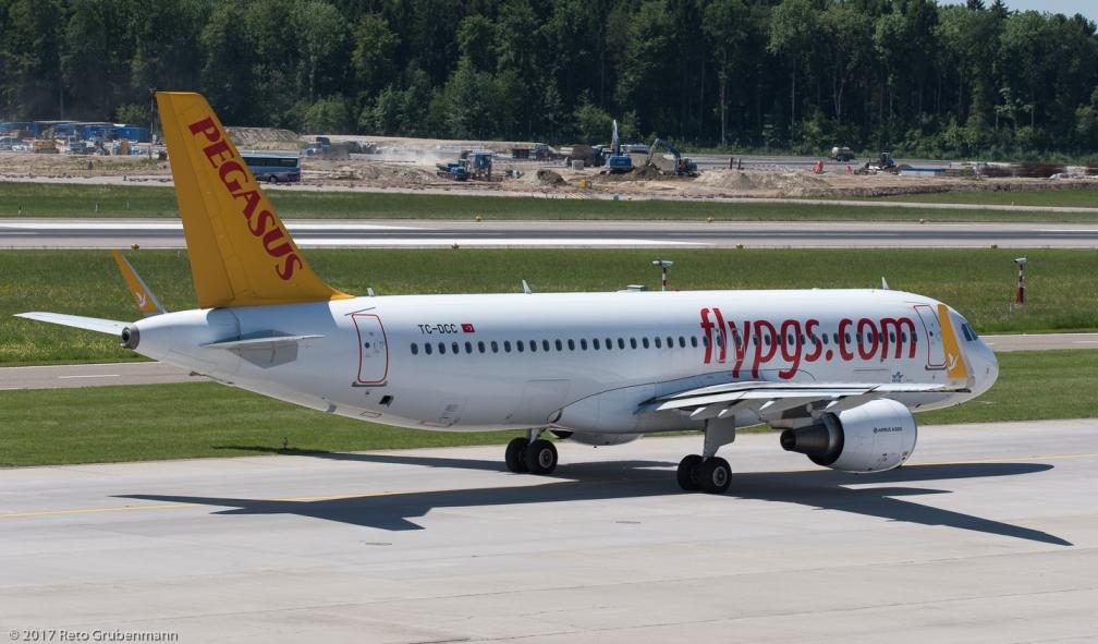 PegasusAirlines_A320_TC-DCC_ZRH170522