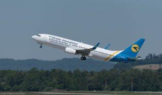 UkraineInternationalAirlines_B738_UR-PSV_ZRH170527