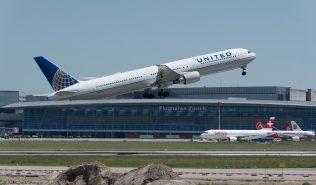 UnitedAirlines_B764_N67058_ZRH170527
