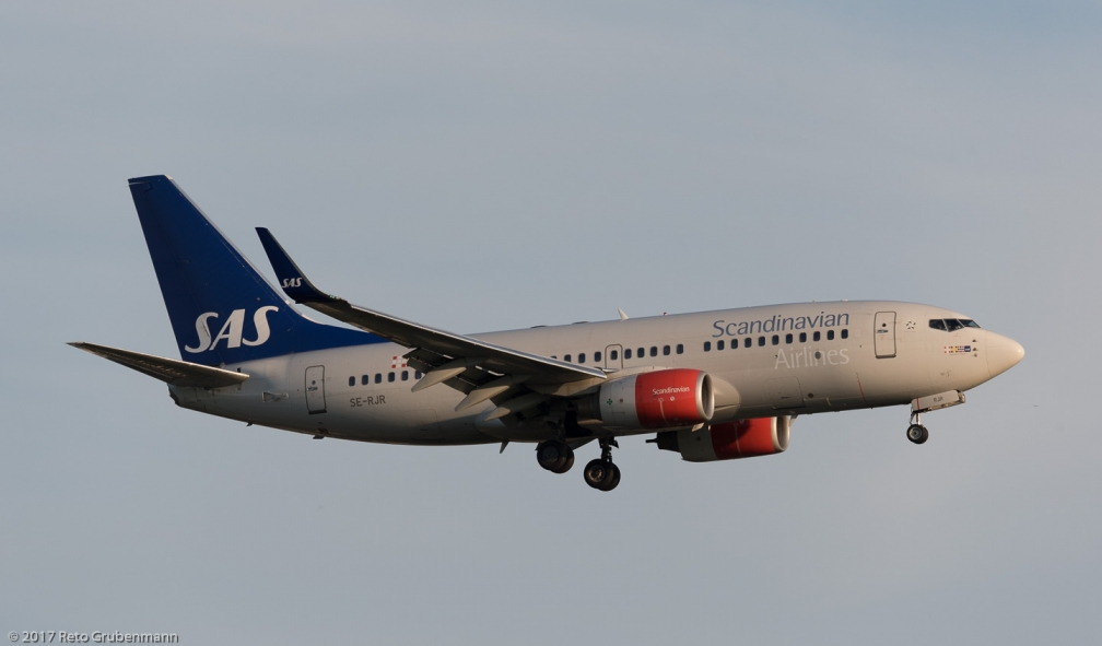 ScandinavianAirlines_B737_SE-RJR_ZRH170528