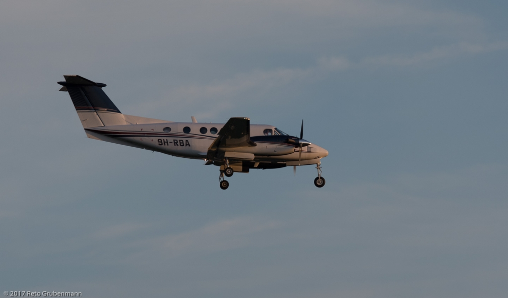 TyroleanAirService_BE20_9H-RBA_ZRH170528