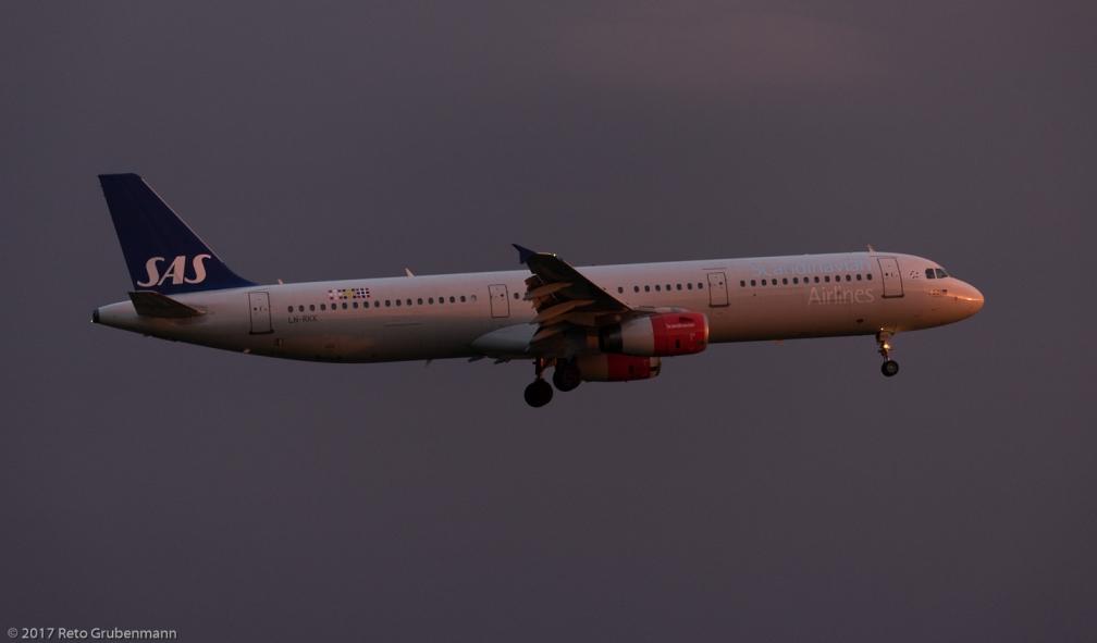 ScandinavianAirlines_A321_LN-RKK_ZRH170530