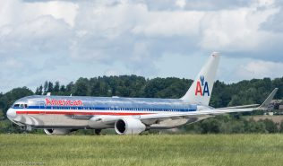 AmericanAirlines_B763_N377AN_ZRH170604_01