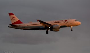 AustrianAirlines_A320_OE-LBM_ZRH170604