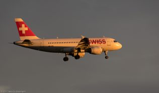 Swiss_A319_HB-IPX_ZRH170604