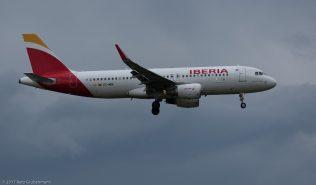 Iberia_A320_EC-MDK_ZRH170606