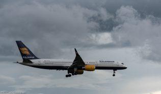 Icelandair_B752_TF-ISY_ZRH170606