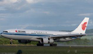 AirChina_A332_B-6130_ZRH170607_02