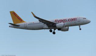 PegasusAirlines_A320_TC-DCC_ZRH170607