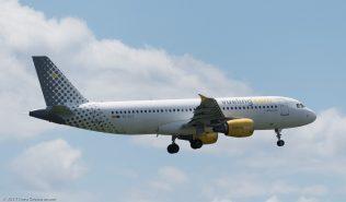vueling_A320_EC-KLT_ZRH170607