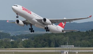 Swiss_A333_HB-JHA_ZRH170608