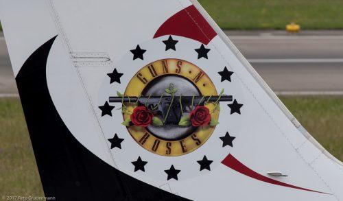 Maleth-Aero_B733_9H-MTF_ZRH170609_03