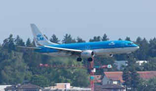 KLM_B738_PH-BXE_ZRH170612
