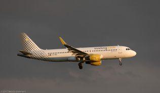 vueling_A320_EC-MAO_ZRH170612