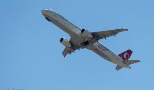 TurkishAirlines_A321_TC-JSD_ZRH170618