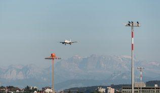 vueling_A320_EC-LLJ_ZRH170618_01