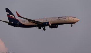 Aeroflot_B738_VQ-BWE_ZRH170623_01