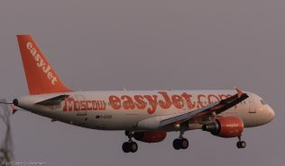 easyJet_A320_G-EZUG_ZRH170623