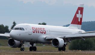 Swiss_A319_HB-IPT_ZRH170626