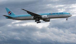 KoreanAir_B77W_HL8274_ZRH170629