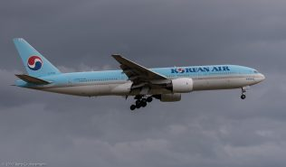KoreanAir_B772_HL7530_ZRH170701