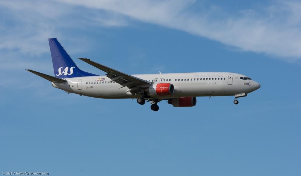 ScandinavianAirlines_B738_LN-RPR_ZRH170704