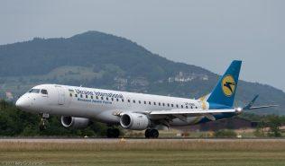 UkraineInternationalAirlines_E190_UR-EMB_ZRH170709