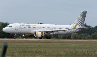 vueling_A320_EC-LVX_ZRH170709