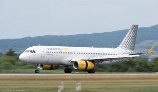 vueling_A320_EC-MFN_ZRH170709
