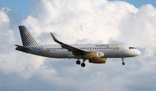 vueling_A320_EC-LVV_ZRH170712